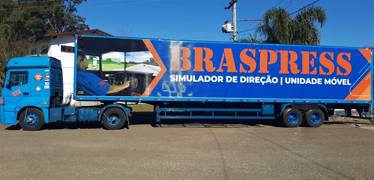 Braspress inaugura unidade móvel do  simulador de direção
